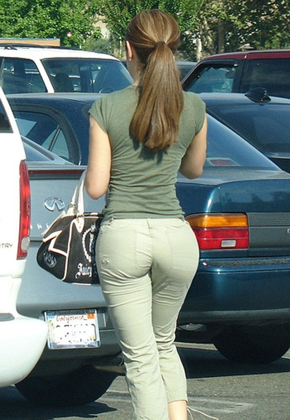 Pants tight wearing woman