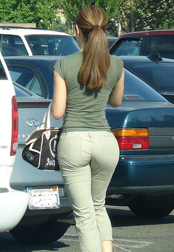 Pants tight wearing woman